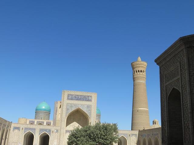 ブハラのカラーンモスクとミナレット
