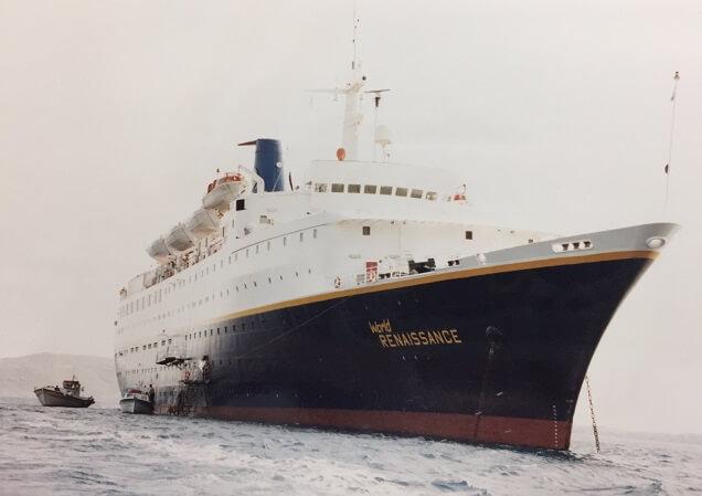 地中海クルーズのロイヤルオリンピックの豪華客船