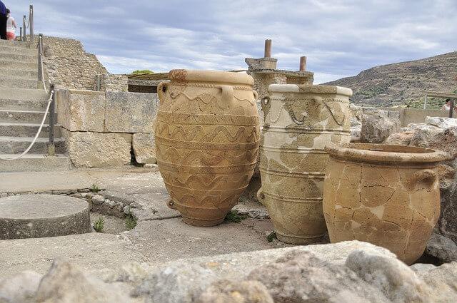 ギリシャ・クレタ島のクノッソス宮殿の大きなカメ