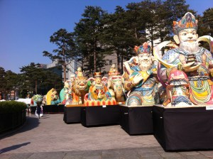 near the dongdaemun gate they were setting up for the parade which is where we found these lanterns