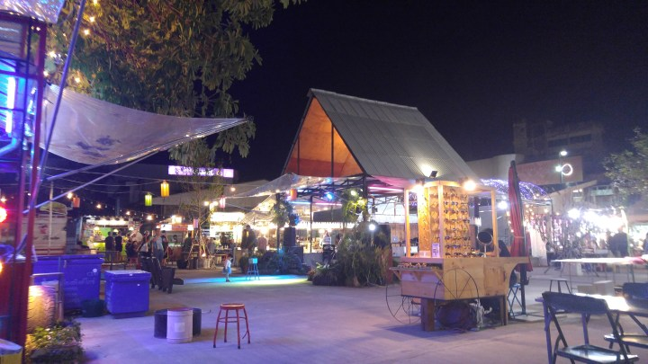 Ploen Ruedee Night Market International Food Park เพลินฤดี