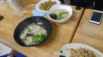 curry fried rice noodles, wonton soup (be careful sometimes this is served spicy chili sauce and it's called 紅油抄手), wonton noodle soup, fried rice (蛋炒飯)