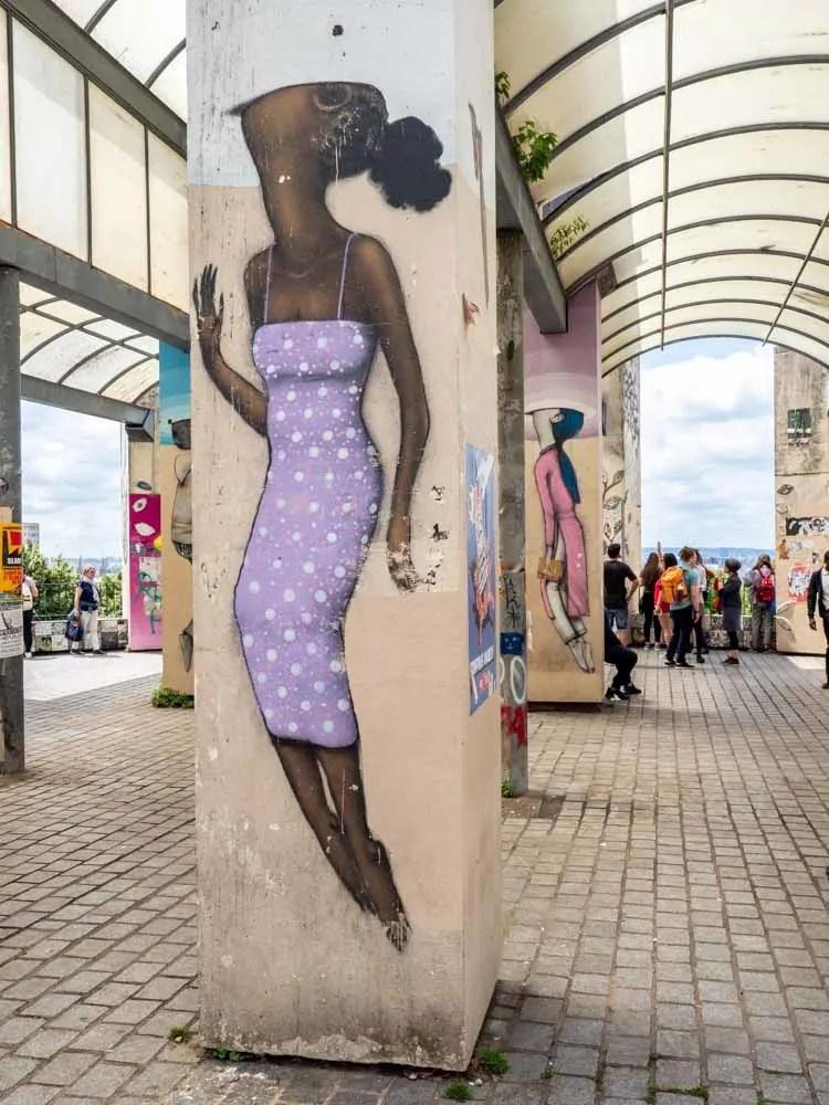Parc de Belleville mural on piling