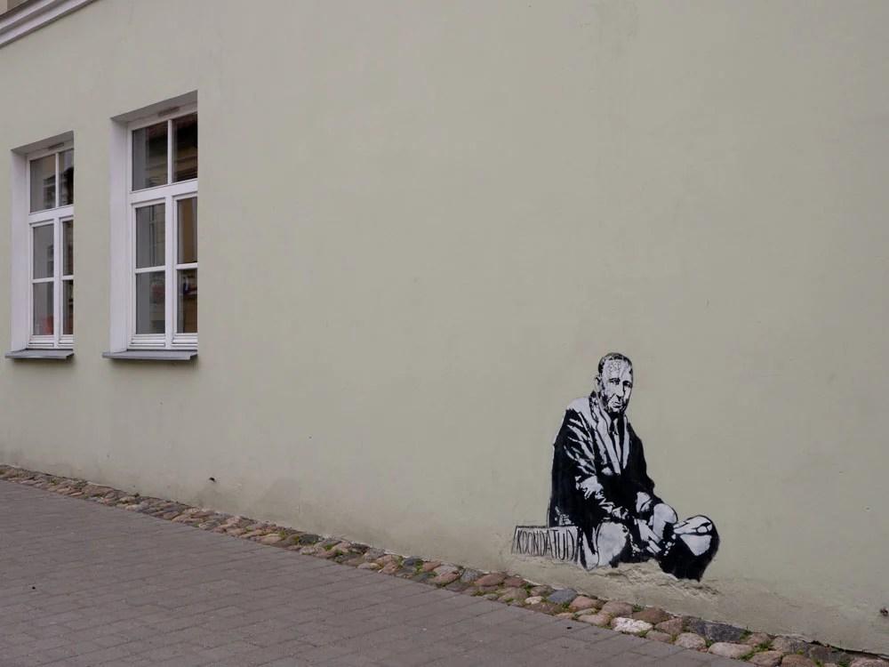 Tartu street art stencil starving writer by Edward von Lõngus