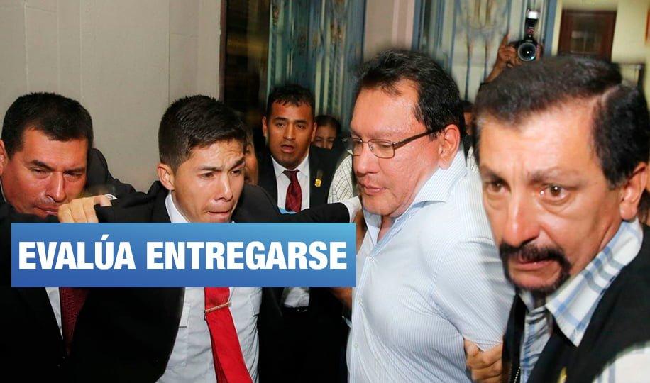 Prófugo Félix Moreno planea aferrarse a la colaboración eficaz