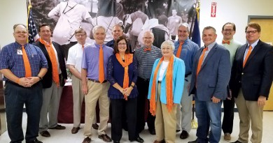COMMUNITY HARVEST HOSTS STATE REPS. FOR HUNGER DISCUSSION