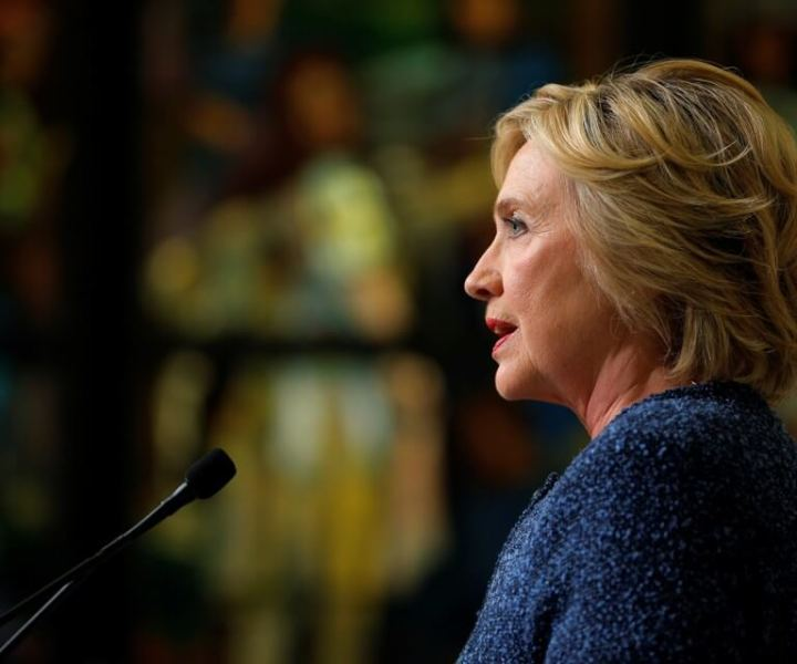 """U.S. Democratic presidential candidate Hillary Clinton speaks to reporters after holding a """"National Security Working Session"""" with national security advisors in New York, U.S. September 9, 2016.  REUTERS/Brian Snyder  - RTX2OWEQ"""