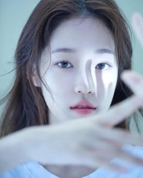NETFLIX 將製作《20TH CENTURY GIRL》電影,演員包含金裕貞、邊佑錫、朴柾佑、ROH YOON-SEO