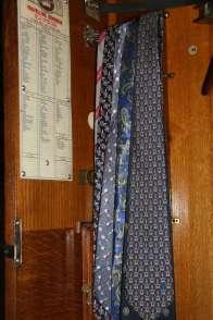 Wayome Upcycling cravates pour coussin cravate fond bois