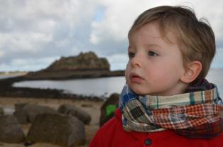 Wayome Upcycling echarpes bucheron enfant regard gauche profil