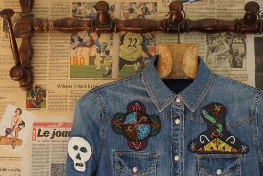 Wayome Upcycling patch vaudou chemise jeans devant haut