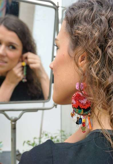 Wayome Upcycling Boucles d'oreilles en canevas profil gauche miroir
