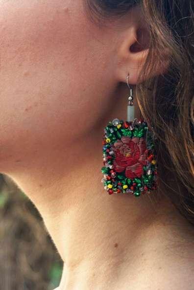 Wayome Upcycling des boucles d'oreilles fabriquées avec des rubans zoom vert