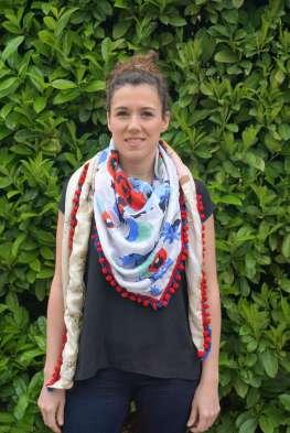 Wayome Upcycling foulard bleu blanc rouge image droite coté blanc