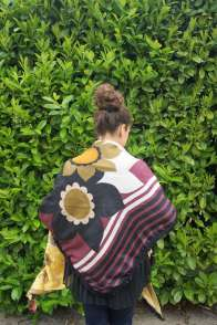 Wayome Upcycling foulard cheval dos violet regard bas