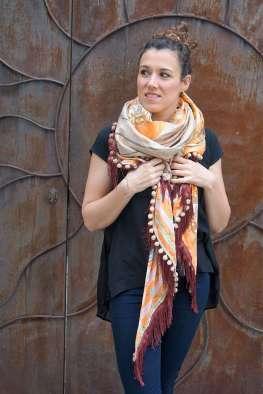 Wayome Upcycling foulard orange et crème devant noeud