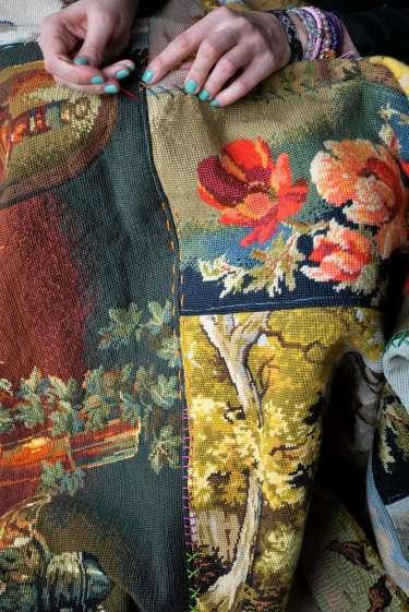 Wayome Upcycling tapis réalisé avec des canevas broderie vertical
