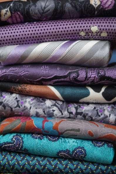 Wayome Upcycling des cravates et encore des cravates violet