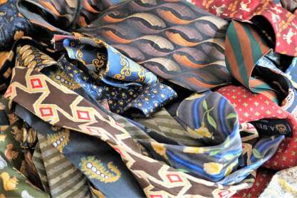 Wayome Upcycling des cravates et encore des cravates bleu