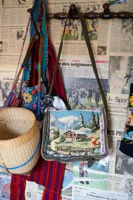 Wayome Upcycling un cabas militaire retravaillé grâce à l'upcycling vertical sac paille