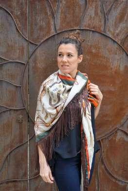 Wayome Upcycline le foulard en soie marron et vert face