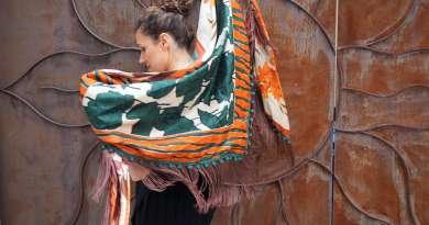 Wayome Upcycline le foulard en soie marron et vert image une