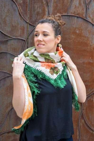 Wayome upcycling le foulard en soie vert jardin regard gauche