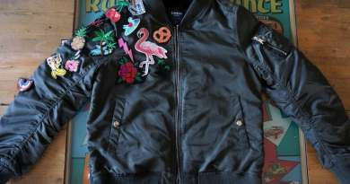 Wayome Upcycling Upcycling d'un bombers avec des patchs image une