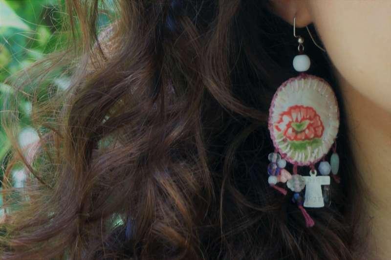 Wayome Upcycling Boucles d'oreilles en canevas rose zoom