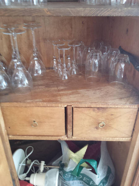 Old_cabinet 3