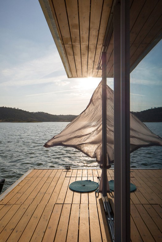 Solar-powered-floating-house 9