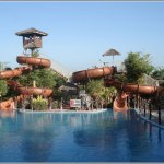 8 Waves Waterpark Safari