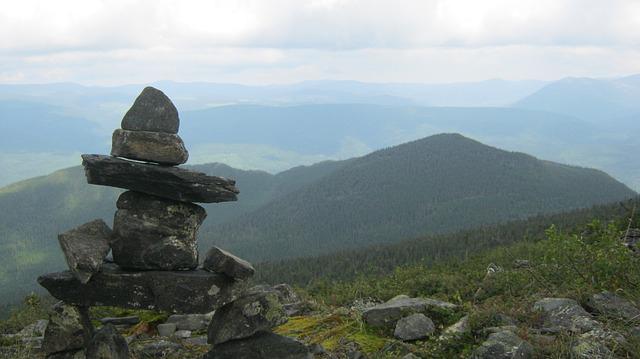 inukshuk mountain
