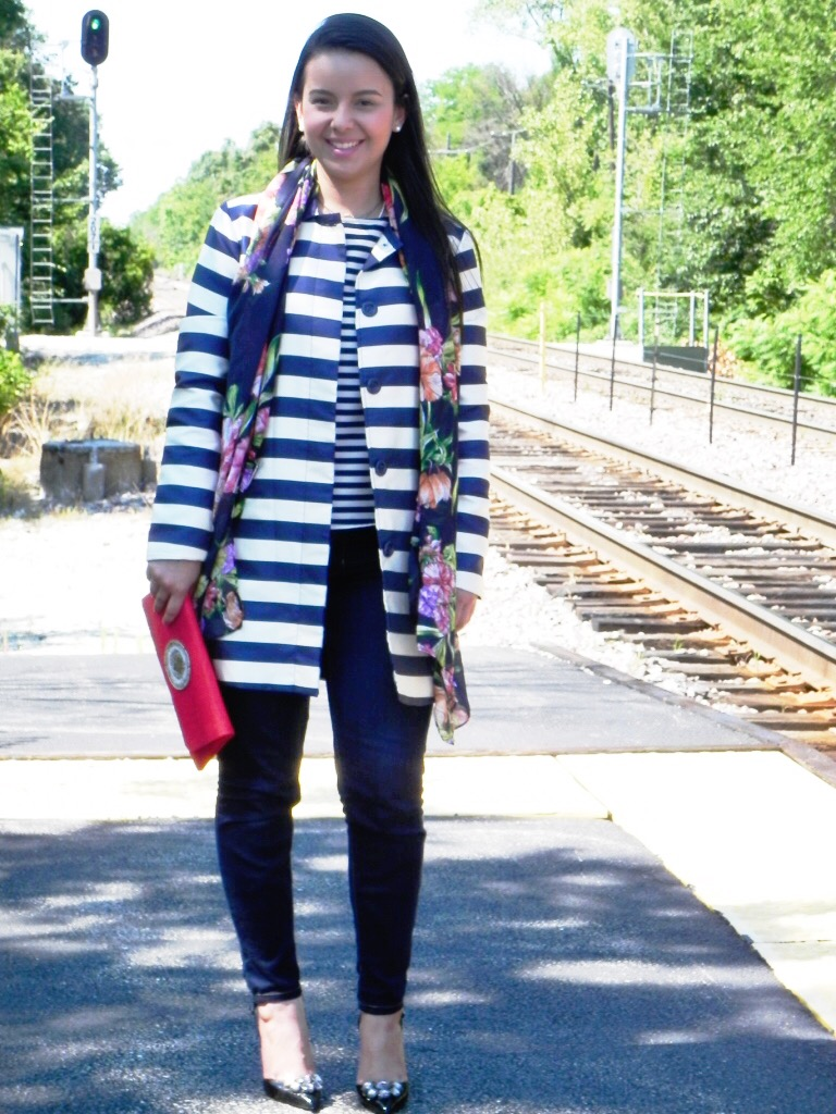 My version of monochromatic outfits with an head to toe navy look and print mixing