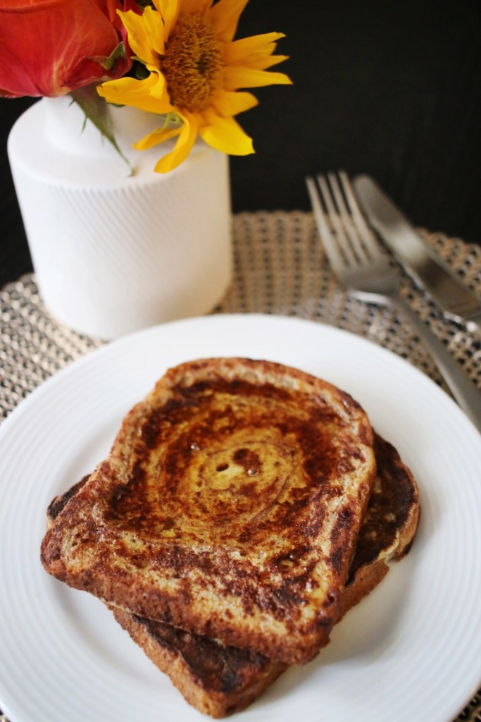 How to make a healthy French toast recipe using cinnamon bread