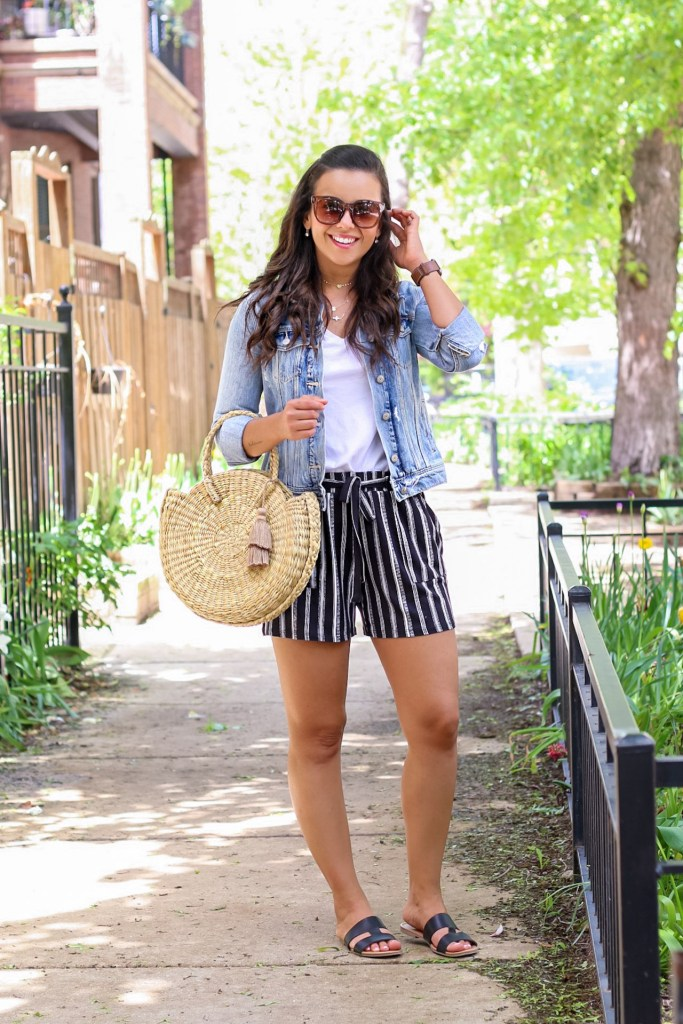 how to wear a white tshirt with a denim jacket for Summer