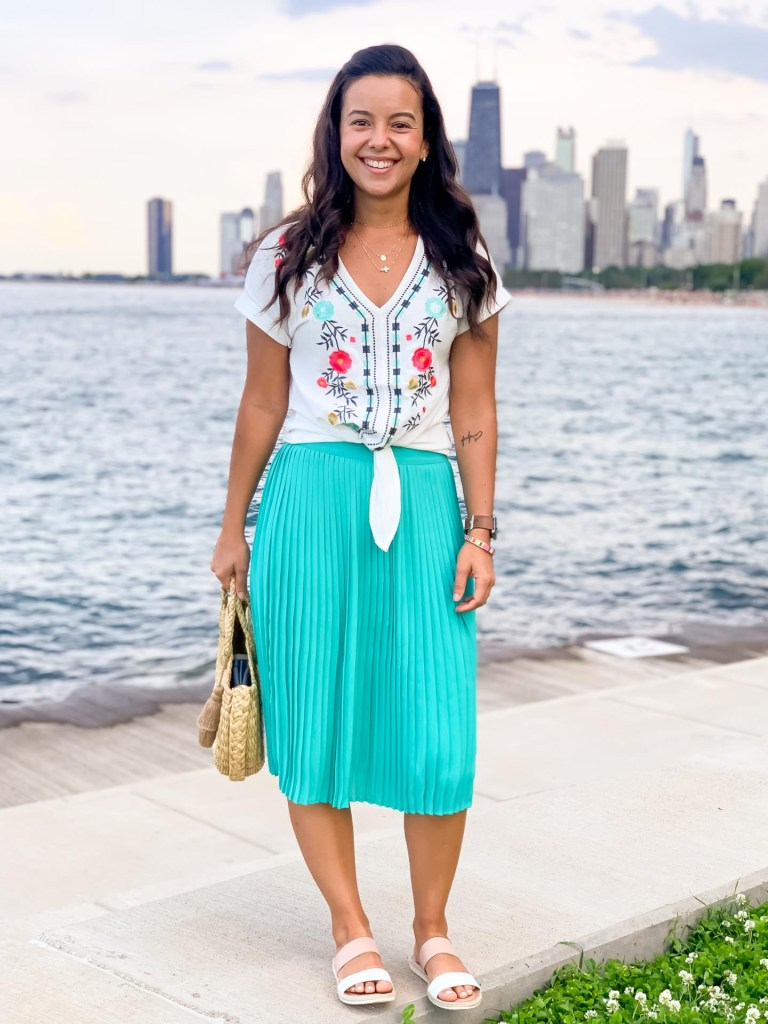 Pleated midi skirt outfits for summer