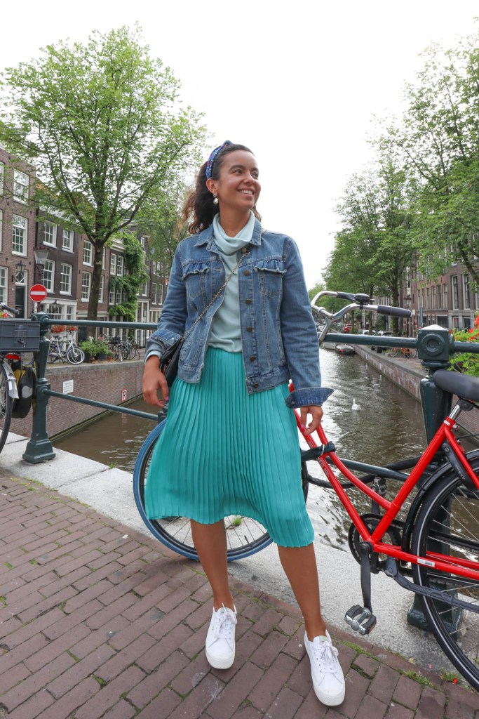 How create a capsule wardrobe for traveling. Summer 2021