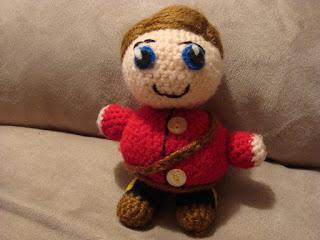 http://waywardpineapplecreations.com/julias-crochet-dolls-due-sou/