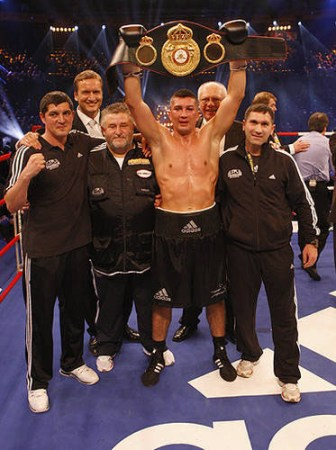 Sartison claims vacant WBA super middle belt!
