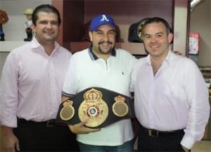 Tony Gonzalez Visits WBA Office
