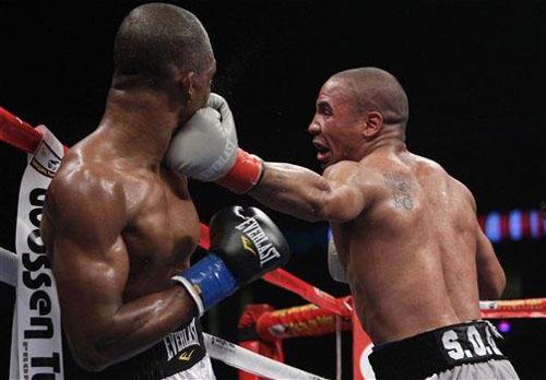 Ward retains WBA title