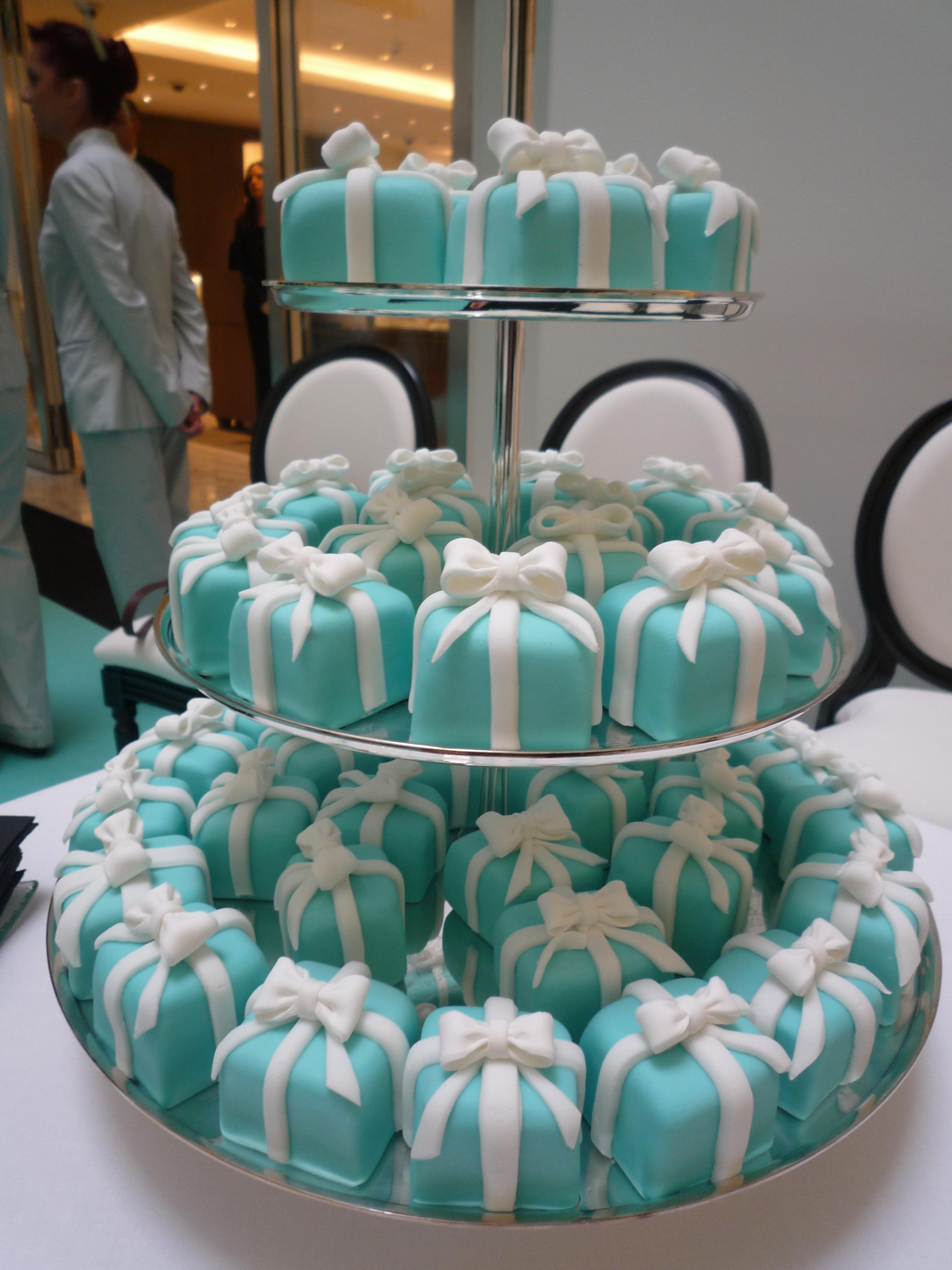 Incredibly Creative Cupcake Designs Maple Pecan Pancakes