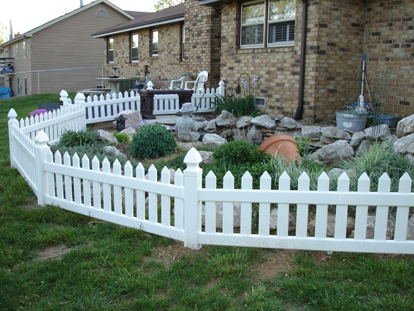 Picket Fence —- (417) 862-5115