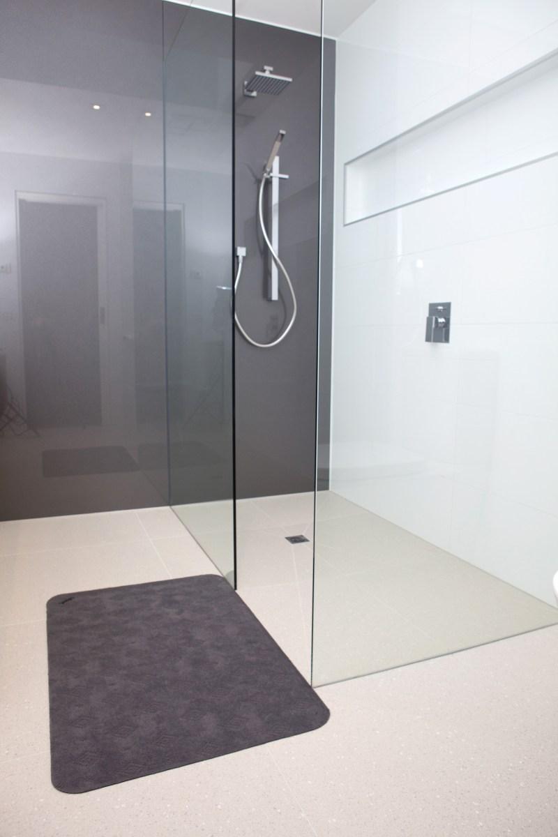 99 060090 00 1 Conni Floor Mat Shower V1 1500 1