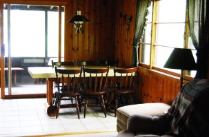Cabin Four: Dining Room