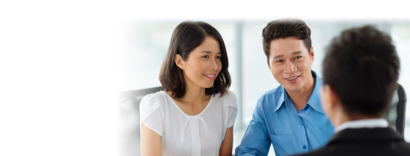 Young couple consults with obstetrician