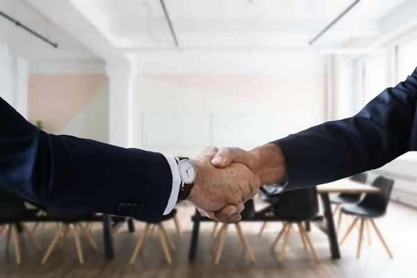alt text: Two people shaking hands. Gone are the days in which a person held the same job for forty years or more. People are likely to have many jobs throughout their working life. To keep up with your interests, acquired skills and lifestyle desires, you will likely search for a job many times throughout your career. Did You Know? The Bureau of Labor Statistics suggests that the average worker will hold 12-15 jobs over a lifetime. According to the American Community Survey, about 40% of the