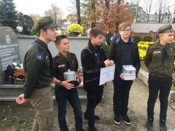 Mielczanie tłumnie odwiedzali 1 listopada Cmentarz Komunalny i Cmentarz Parafialny [FOTO, DRON]