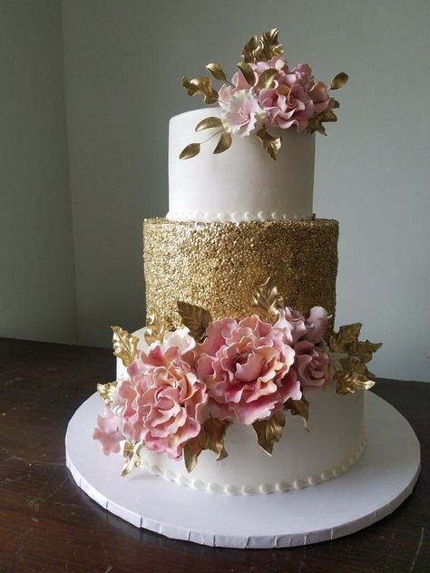 World Class Weddings cake-3 Confectionately Yours!